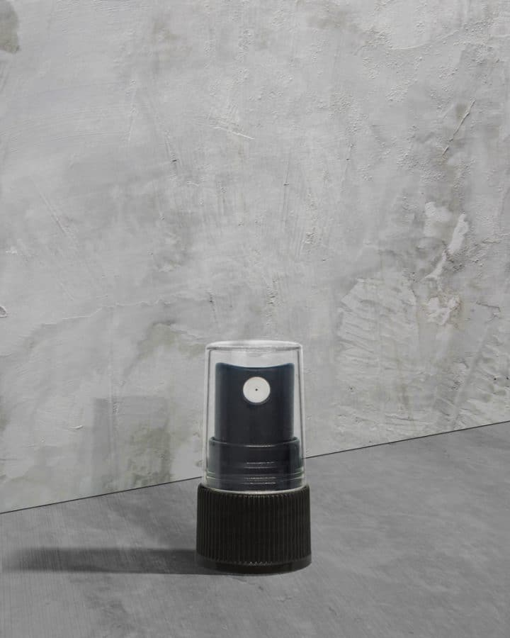 Black Ribbed Sprayer